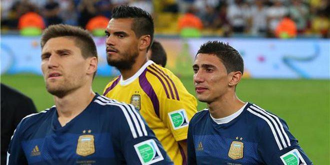 روميرو حارس الأرجنتين يغيب عن كأس العالم بسبب إصابة في الركبة