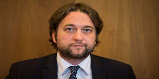 برلماني سلوفاكي: واشنطن تدعم الإرهاب في سورية بالتعاون مع النظام السعودي