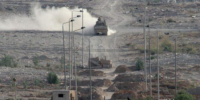 القوات المصرية تقضي على ثلاثة إرهابيين وتعتقل العشرات في سيناء