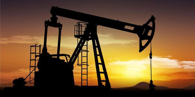 النفط يرتفع بعد أنباء عن محادثات تجارية مزمعة بين بكين وواشنطن