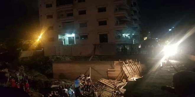وفاة شخص وإصابة اثنين آخرين جراء انهيار جدار استنادي في حي الرمل الشمالي باللاذقية