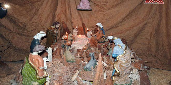 إضاءة مغارة الميلاد في بلدة كفربهم بريف حماة