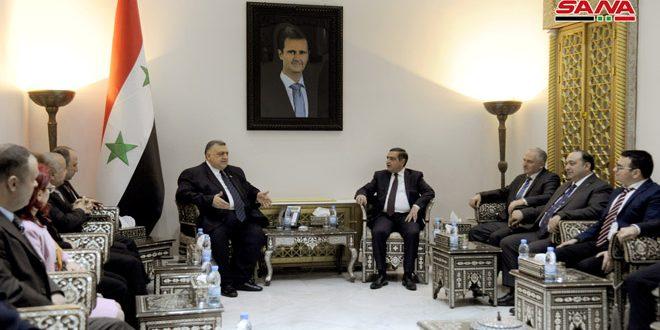 صباغ يلتقي وفداً من المغتربين السوريين في أرمينيا