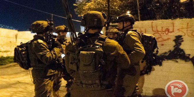 الاحتلال يعتقل 20 فلسطينيا بالضفة الغربية وعلى أطراف قطاع غزة