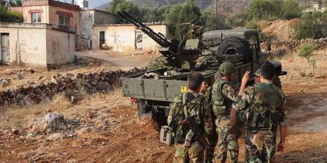 وحدات الجيش تدمر أوكاراً ومنصات مدافع هاون للإرهابيين بريف حماة الشمالي