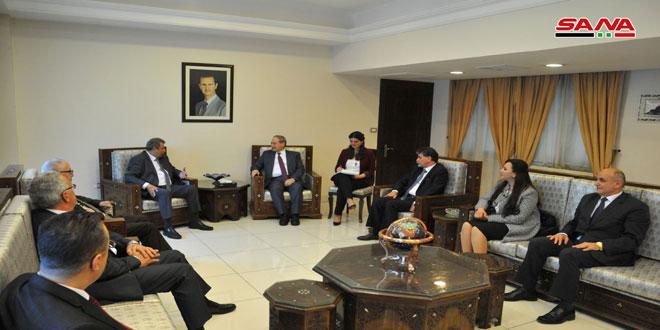المقداد يلتقي وفد المجلس الأعلى للكنائس في فلسطين: نقف إلى جانب الفلسطينيين لاستعادة حقوقهم