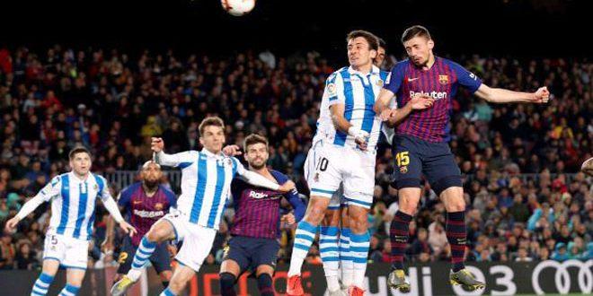برشلونة يقترب من لقب الدوري الإسباني لكرة القدم بفوزه على سوسيداد