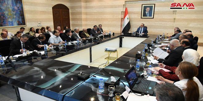 اتخاذ حزمة من القرارات والإجراءات لترسيخ دور السورية للتجارة بتأمين احتياجات المواطنين