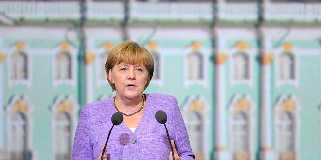 ميركل:اغتنام كل الفرص الدبلوماسية لتخفيف تأزم الوضع بمنطقة الخليج