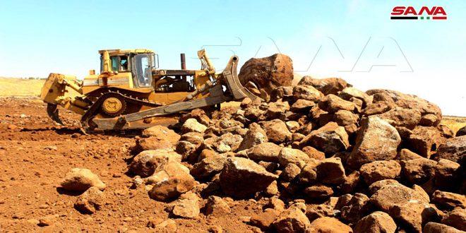 تجهيز 825 دونماً من الأراضي في قريتي الرافقة وامتان بالسويداء للاستثمار الزراعي
