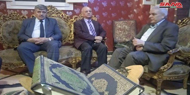 درويش يقدم واجب العزاء في وفاة الكاتب المصري ماجدي البسيوني