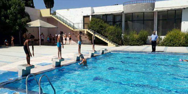 قلة أوقات التدريب وانعدام الدعم… أبرز صعوبات رياضة السباحة بحمص