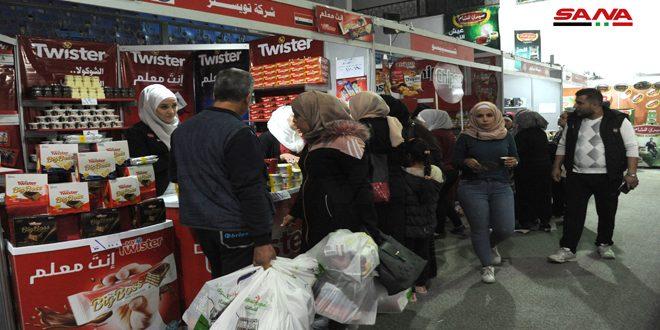 أكثر من 130 شركة في انطلاق مهرجان التسوق الشهري بصالة الجلاء