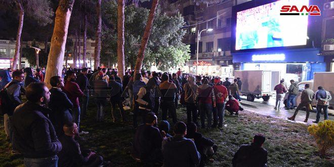 السوريون يتابعون مباراة منتخبهم أمام الصين في الساحات العامة