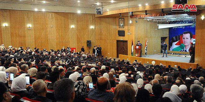 كلية الحقوق بجامعة دمشق تحتفل بتخريج 315 طالبا من دفعة (على العهد باقون)