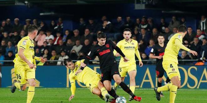 أتليتيكو يكتفي بالتعادل مع فياريال في الدوري الإسباني بكرة القدم