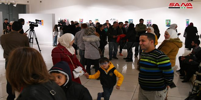 معرض فني لأطفال ويافعين من ذوي الإعاقة بالمركز الوطني للفنون البصرية