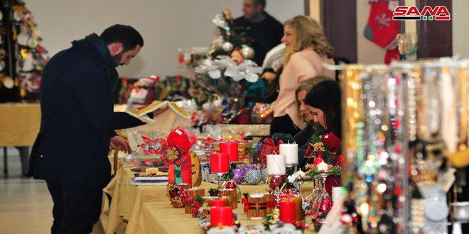بازار الميلاد في كاتدرائية سيدة النياح بدمشق