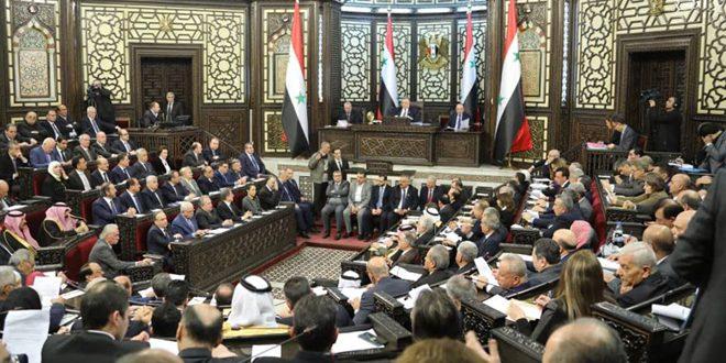 المهندس خميس أمام مجلس الشعب: ستصدر قريباً قرارات لضبط ومراقبة الليرة السورية لتبقى في عهدة المصارف الحكومية المعنية
