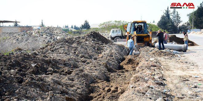 صيانة طرق ومشاريع صرف صحي في المنطقة الصناعية باللاذقية وقرية الصومعة