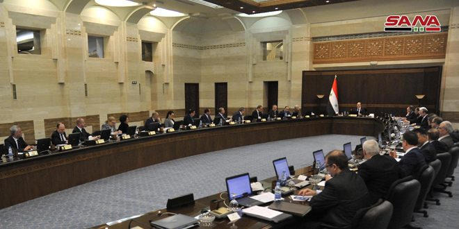 مجلس الوزراء يعلق الزيارات والرحلات مع دول الجوار (العراق والأردن) لمدة شهر