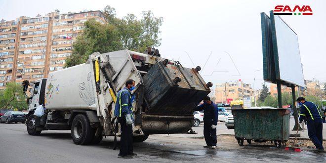 عمال النظافة.. أعباء وجهود إضافية في زمن الكورونا