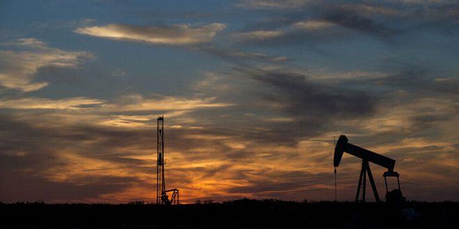 النفط يرتفع 5 بالمئة
