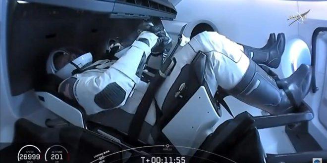 التحام المركبة كرو دراجون بمحطة الفضاء الدولية
