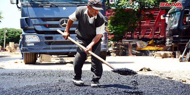 الانتهاء من تعبيد الطرق وساحة منطقة صيانة الآليات الثقيلة في المنطقة الصناعية باللاذقية