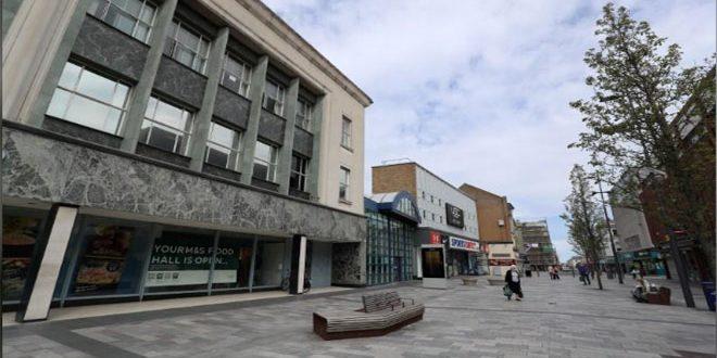 ثقة المستهلكين البريطانيين تلامس أدنى مستوى في عقد بسبب كورونا