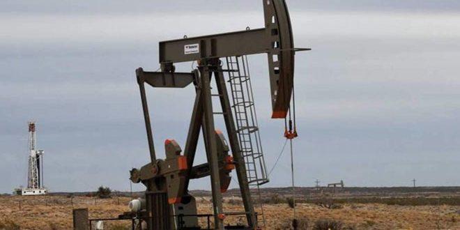 أسعار النفط ترتفع قبيل اجتماع لأوبك بلس بشأن تمديد تخفيضات الإنتاج