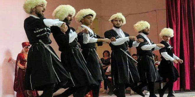 فرقة للرقص التراثي الشركسي بحمص