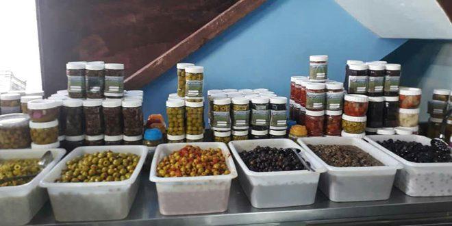 افتتاح أول مركز لتصنيع المؤن السنوية لدعم المرأة الريفية في بلدة الحواش بحمص