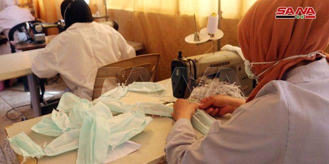 ورشة لتصنيع الكمامات القماشية بدير الزور