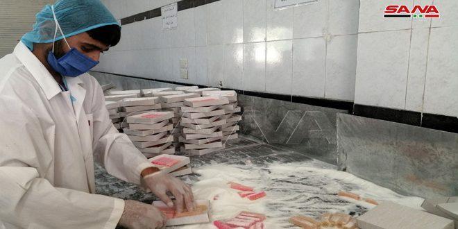 12 منشأة مستمرة بإنتاجها في درعا.. الراحة الحورانية صناعة تقليدية توارثتها الأجيال