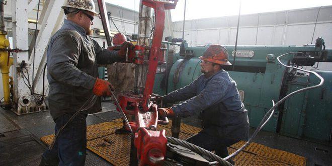 النفط يرتفع بدعم من آمال تحفيز أمريكي