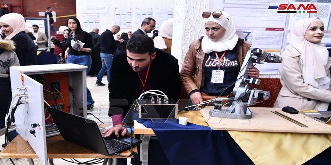120 مشروعاً وبحثاً تطبيقياً في معرض المشاريع المتميزة بكلية الهندسة الميكانيكية والكهربائية بدمشق