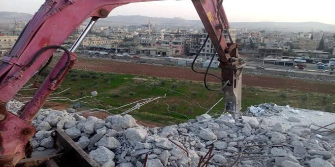 هدم مبنى مشيد بشكل مخالف في بلدة الصبورة بريف دمشق