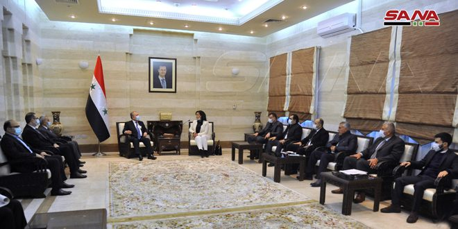 المهندس عرنوس يبحث مع أعضاء مجلس الشعب عن اللاذقية تحسين الواقعين الخدمي والتنموي بالمحافظة