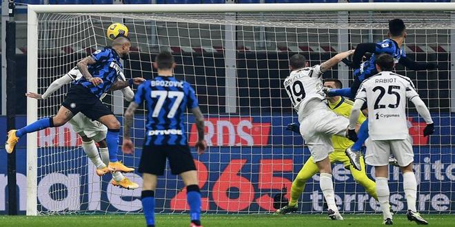 إنتر ميلان يفوز على يوفنتوس في الدوري الإيطالي لكرة القدم