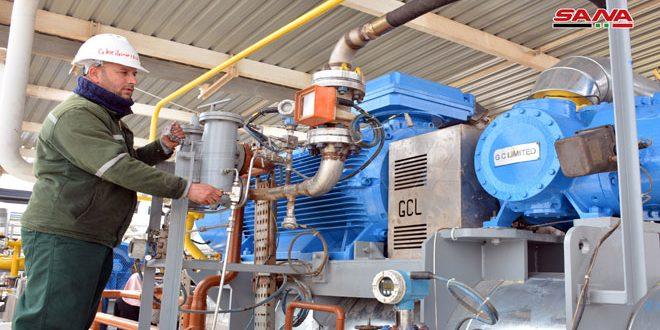 الانتهاء من أعمال صيانة منظومة الضواغط بالمحطة الثانية في شركة حيان للنفط بحمص