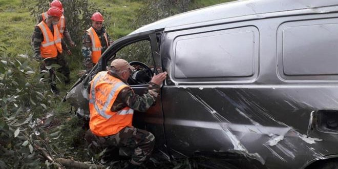 وفاة مواطن وإصابة اثنين آخرين بحادث سير على طريق حمص طرطوس