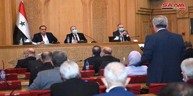 المهندس عرنوس يلتقي الفعاليات الخدمية والاجتماعية والإقتصادية وأعضاء مجلس الشعب في حلب