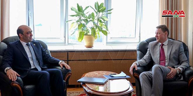 نائب وزير خارجية بيلاروس يبحث مع السفير العمراني تعزيز العلاقات بين سورية وبيلاروس