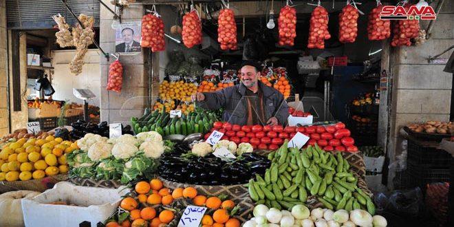 الخضراوات والفواكه بأنواع مختلفة وأسعار منخفضة في أسواق دمشق