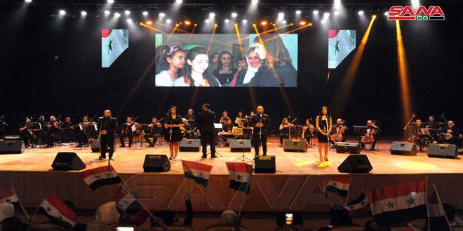 في ذكرى عيدهم… تكريم عدد من أسر الشهداء في ريف دمشق