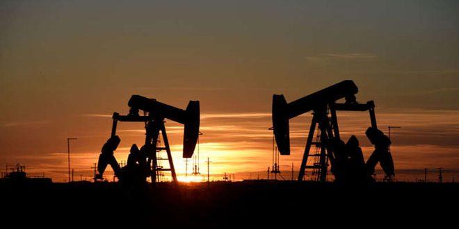 النفط يرتفع بعد هجوم الكتروني يتسبب في إغلاق خطوط أنابيب أمريكية