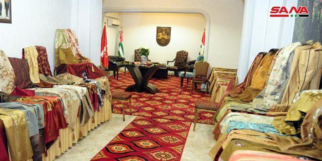 بمناسبة عيد الشهداء: معرض منتجات يدوية لمؤسسة سوريون في مقر السفارة الأبخازية بدمشق