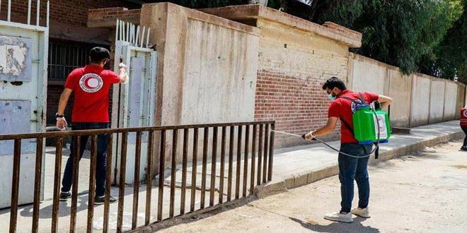 الهلال الأحمر ينفذ حملة تعقيم كاملة لمراكز الإقامة المؤقتة في الحسكة