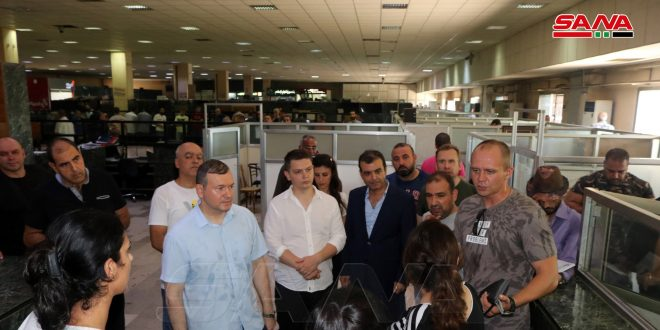 وفدان روسيان يطلعان على آلية العمل في مركز النافذة الواحدة بمرفأ اللاذقية ومشفى تشرين الجامعي
